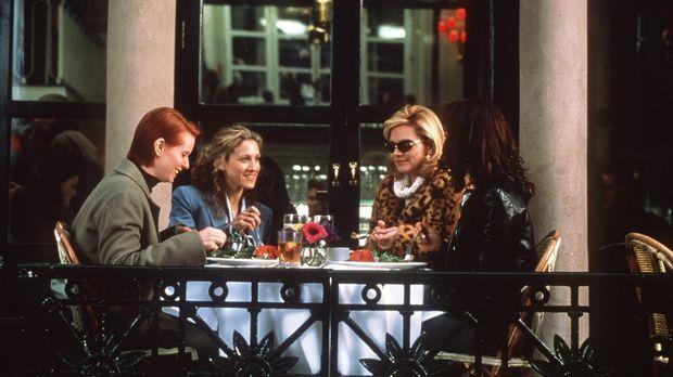 (v.l.n.r.) Miranda (Cynthia Nixon), Carrie (Sarah Jessica Parker), Sam (Kim C...