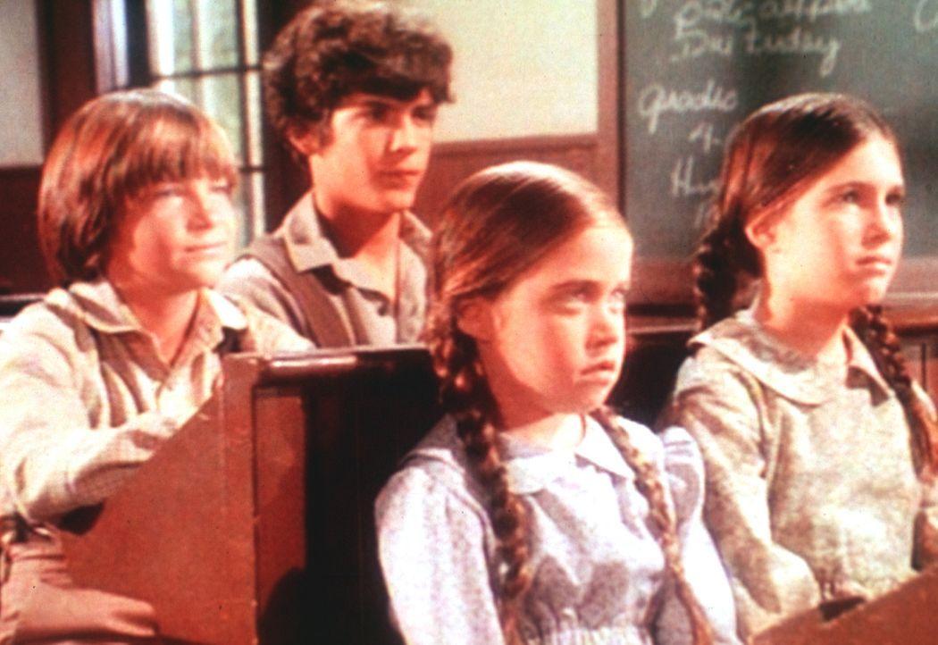 Die beiden Waisenkinder James (Jason Bateman, l.) und Cassandra (Missy Francis, r.) sind sehr intelligent. Seit sie wieder bei den Ingalls wohnen, w... - Bildquelle: Worldvision