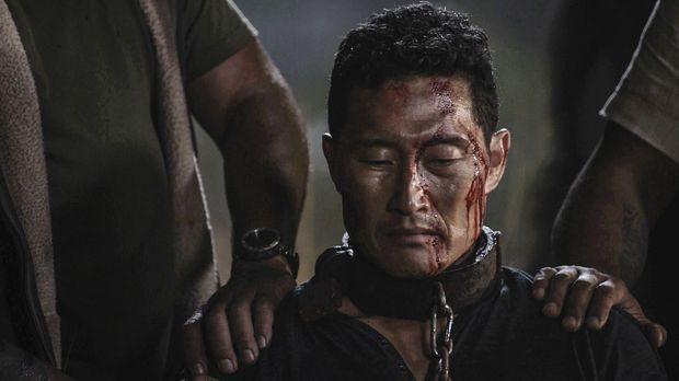 Als Chin (Daniel Dae Kim) von einem mexikanischen Kartell entführt wird, müss...