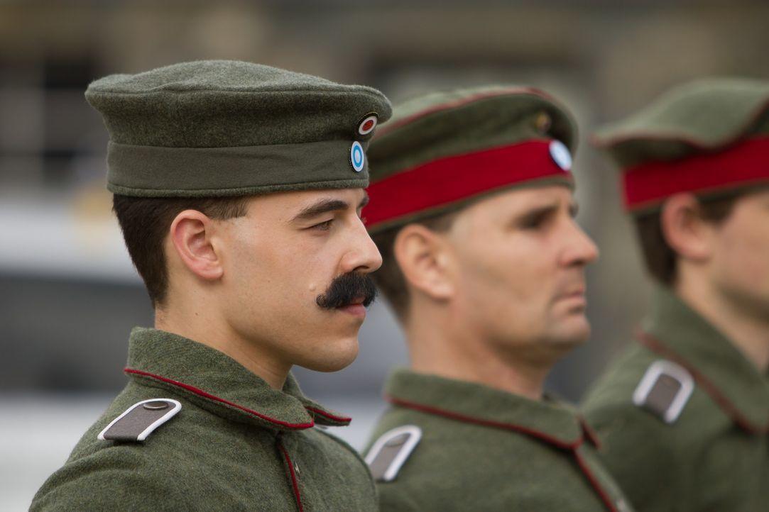 Wie wurde aus dem jungen Soldaten Hitler ein solches Monster? Warum konnte er so eine Macht über das deutsche Volk erlangen? Dies sind die bleibende... - Bildquelle: 2011- Parthenon Entertainment Ltd. All rights reserved.