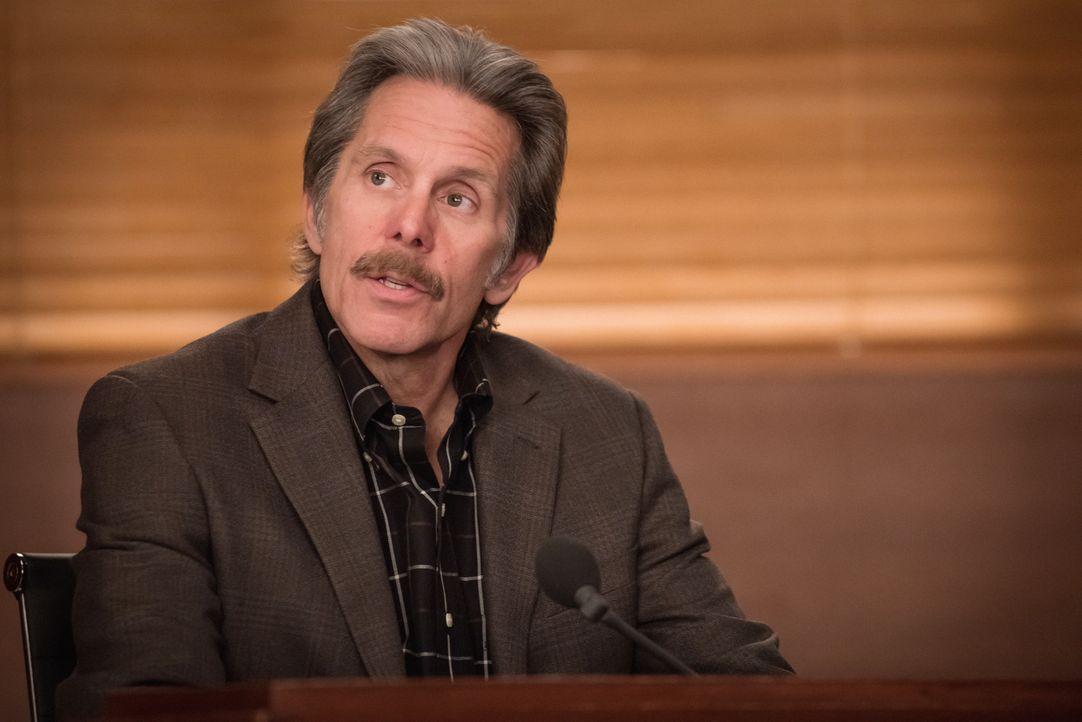 Dianes Ehemann Kurt (Gary Cole) nimmt als Waffenexperte eine entscheidende Rolle im neusten Fall von seiner Ehefrau ein, bei dem sich ihr Klient auf... - Bildquelle: Jeff Neumann 2014 CBS Broadcasting Inc. All Rights Reserved.