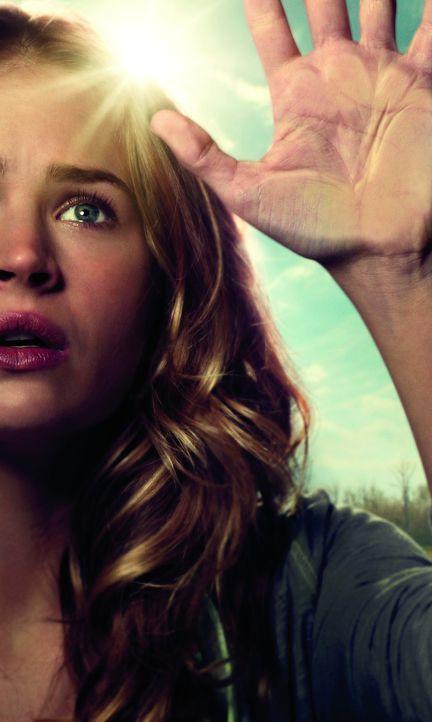 (1. Staffel) - Gefangen in der Stadt, die sie eigentlich verlassen wollte: Angie McAlister (Britt Robertson) ... - Bildquelle: 2013 CBS Broadcasting Inc. All Rights Reserved