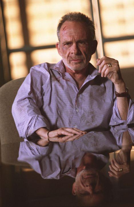 Da Sloane (Ron Rifkin) Bomani an die CIA verraten hatte, um begnadigt zu werden, will dieser sich nun an ihm rächen. Kurzerhand entführt Bomani Sl... - Bildquelle: Touchstone Television