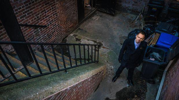 In Chinatown wurden drei Gangmitglieder erschossen. Sherlock Holmes (Jonny Le...