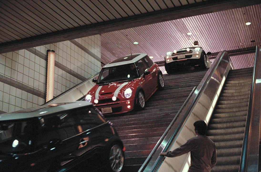 Eine Bande von Bankräubern löst in L.A. den größten Verkehrsstau der Geschichte aus, um in aller Ruhe einen Goldraub durchziehen zu können. In den k... - Bildquelle: TMG