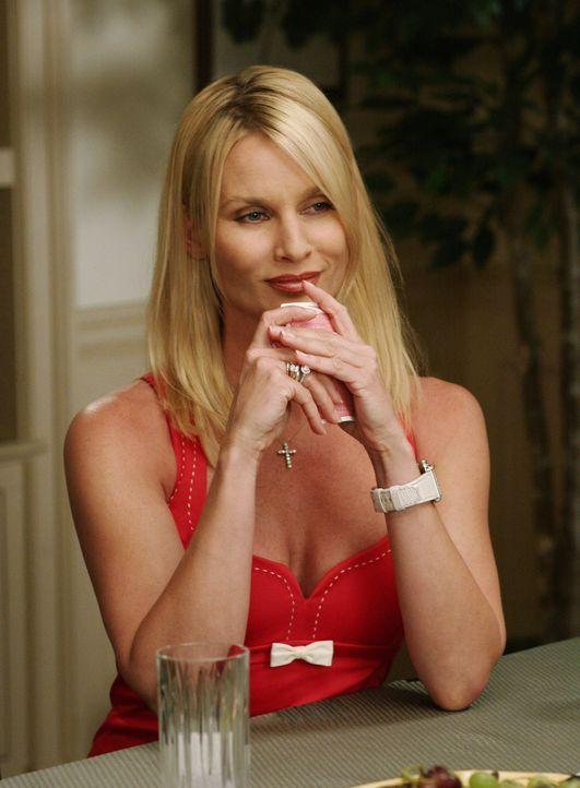 Edie (Nicolette Sheridan) ist verärgert, dass Mike und Susan wieder zusammen sind und sie keine Chance mehr hat. Lässt sich das aber vor Susan nicht... - Bildquelle: Touchstone Pictures