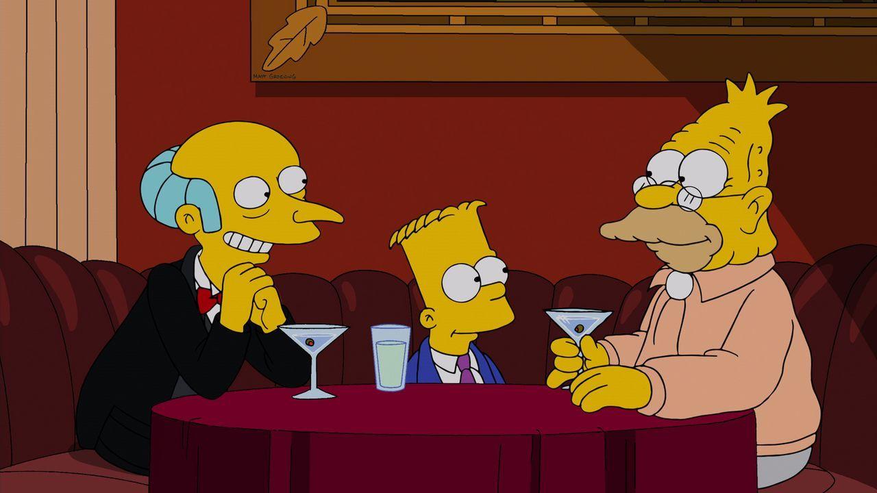 """Mr. Burns (l.) versucht alles, um Grampa (r.) davon zu überzeugen, als """"Gorgeous Grampa"""" in den Ring zu steigen. Bart (M.) ist von der Idee total be... - Bildquelle: und TM Twentieth Century Fox Film Corporation - Alle Rechte vorbehalten"""