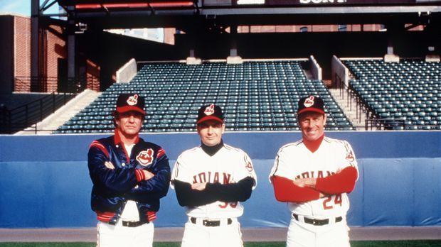 Rick Vaughn (Charlie Sheen, M.), Taylor (Tom Berenger, l.) und Roger Dorn (Co...