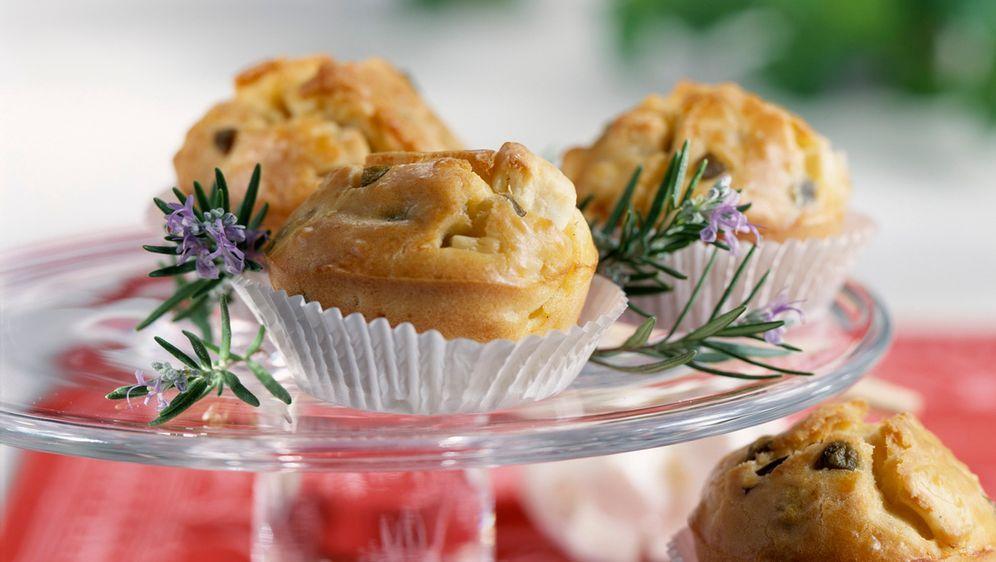 Enie backt: Rezept-Bild Muffins mit Oliven und Feta - Bildquelle: Photocuisine
