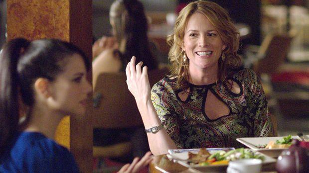 Tina (Laurel Holloman, r.) kämpft für Jenny (Mia Kirshner, l.) bei