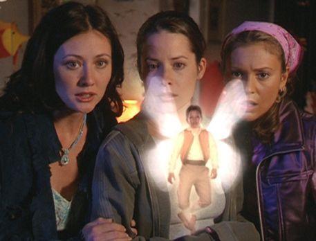 Charmed - Zauberhafte Hexen - Prue (Shannen Doherty, l.), Piper (Holly Marie...