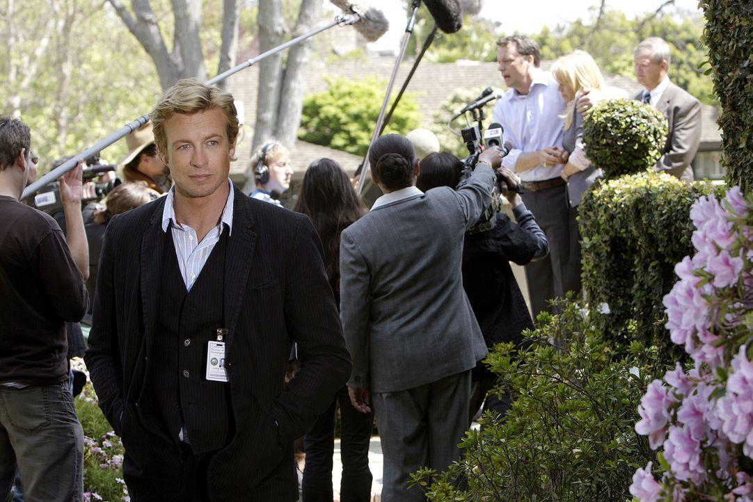 Der Privatdetektiv Patrick Jane (Simon Baker), der sich in seiner früheren Laufbahn als Varietémedium eine scharfe Beobachtungsgabe und psychologisc... - Bildquelle: Warner Bros. Television