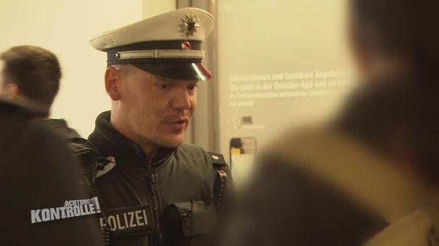 Achtung Kontrolle - Achtung Kontrolle! - Thema U.a.: Rebellische Demonstranten - Bundespolizei Dresden