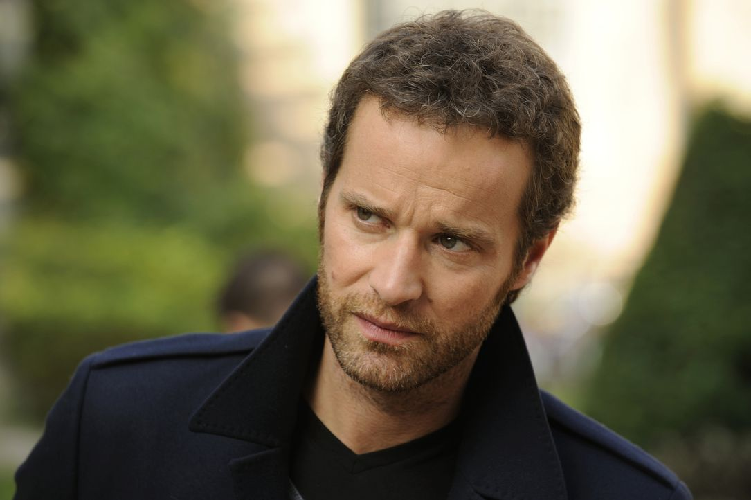 Wird Matthieu (Guillaume Cramoisan) dieser Fall die Dienstmarke kosten? - Bildquelle: 2008 - Beaubourg Audiovisuel/BeFilms/RTBF (Télévision Belge)