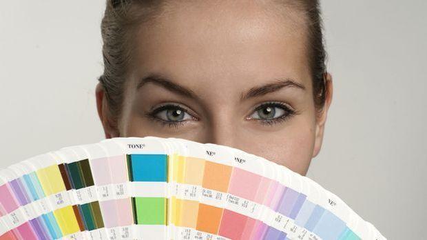 Farbberatung: Die richtigen Farbtöne für jeden Typen