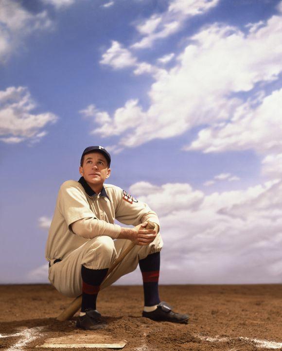 Durch eine magische Karte wird Baseball-Fan Joe ins Jahr 1909 zurück katapultiert. Dort lernt er den legendären Spieler Honus Wagner (Matthew Modi... - Bildquelle: 2007 CBS International Television