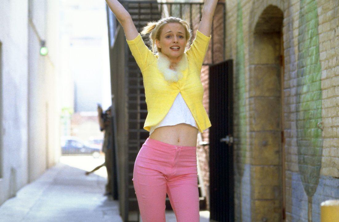 Die überdrehte Jungschauspielerin Daisy (Heather Graham) versucht alles, um ihrer Rolle in Bowfingers Film gerecht zu werden. Dies führt allerding... - Bildquelle: Universal Pictures