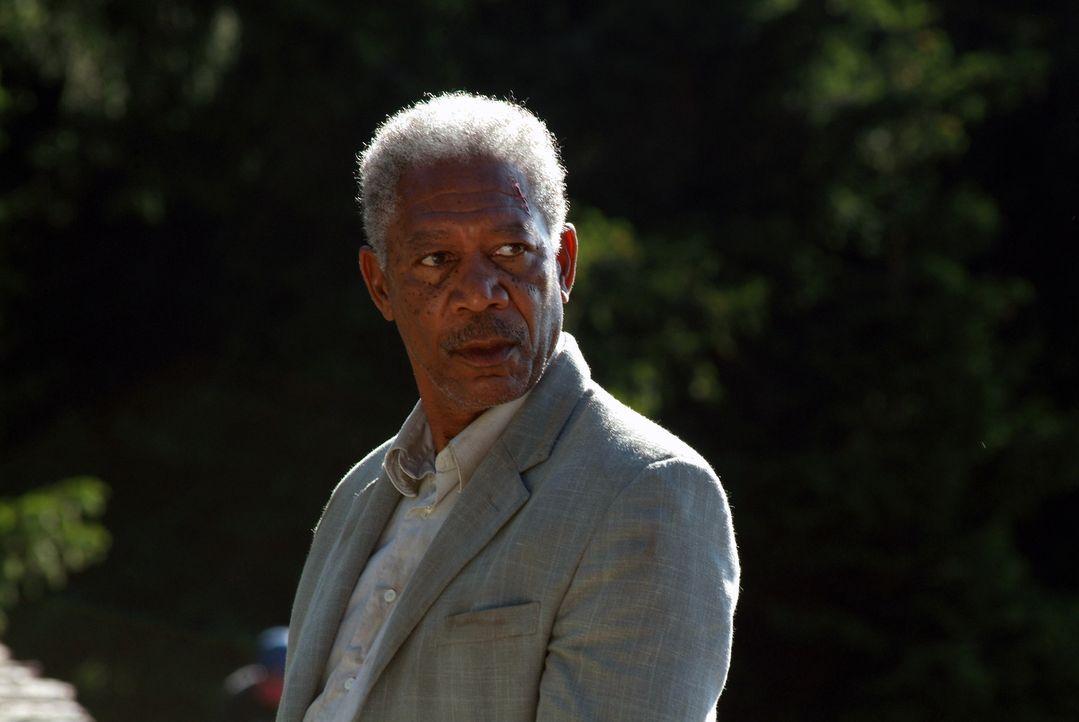 Ist ein gefährlicher Killer, der einen hoch dotierten Auftragsmord an einem mächtigen Milliardär ausführen soll: Carden (Morgan Freeman) ... - Bildquelle: Millennium Films