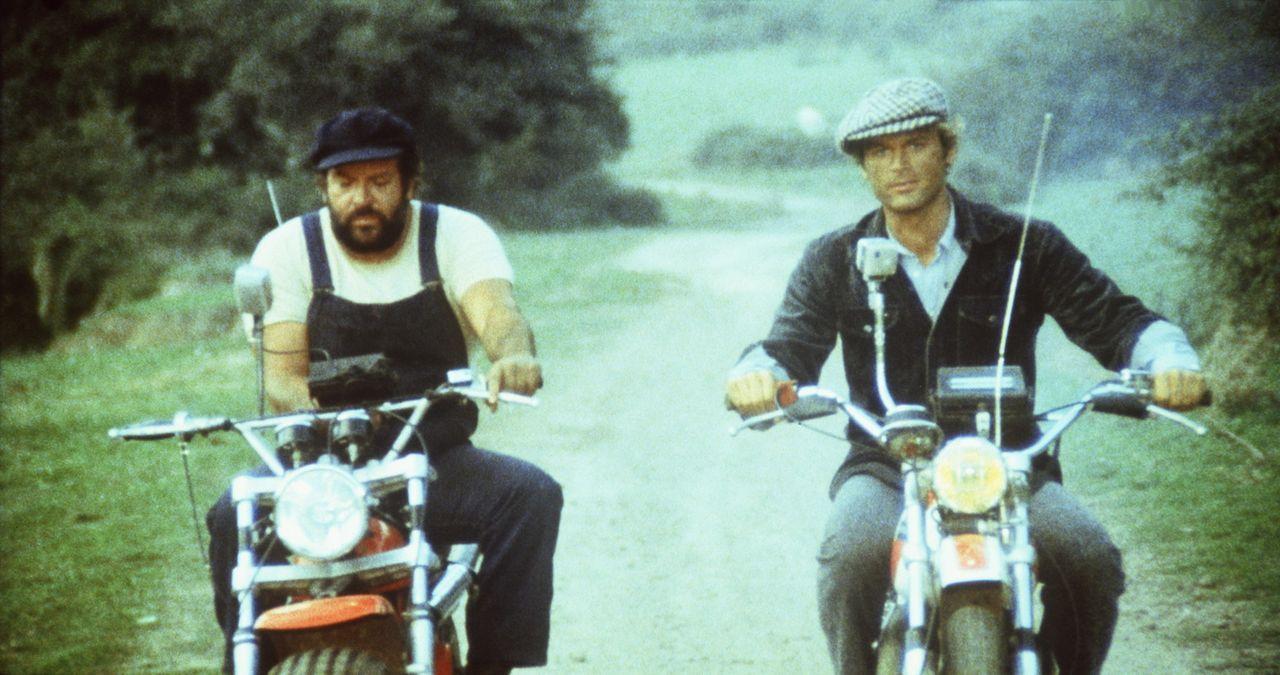 Ben (Bud Spencer, l.) und Kid (Terence Hill, r.) machen eine Landpartie ... - Bildquelle: Columbia Pictures