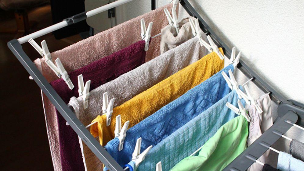 So gefährlich ist es, Wäsche in der Wohnung zu trocknen | SAT.1