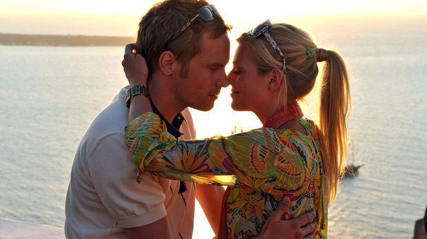 Griechische Küsse - Auf Santorin hat Tim (Wanja Mues, l.) entdeckt, dass man...