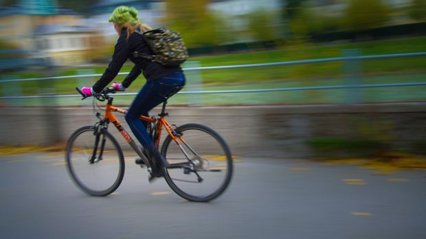 Fahrradfahrerin-Fahrrad-pixabay