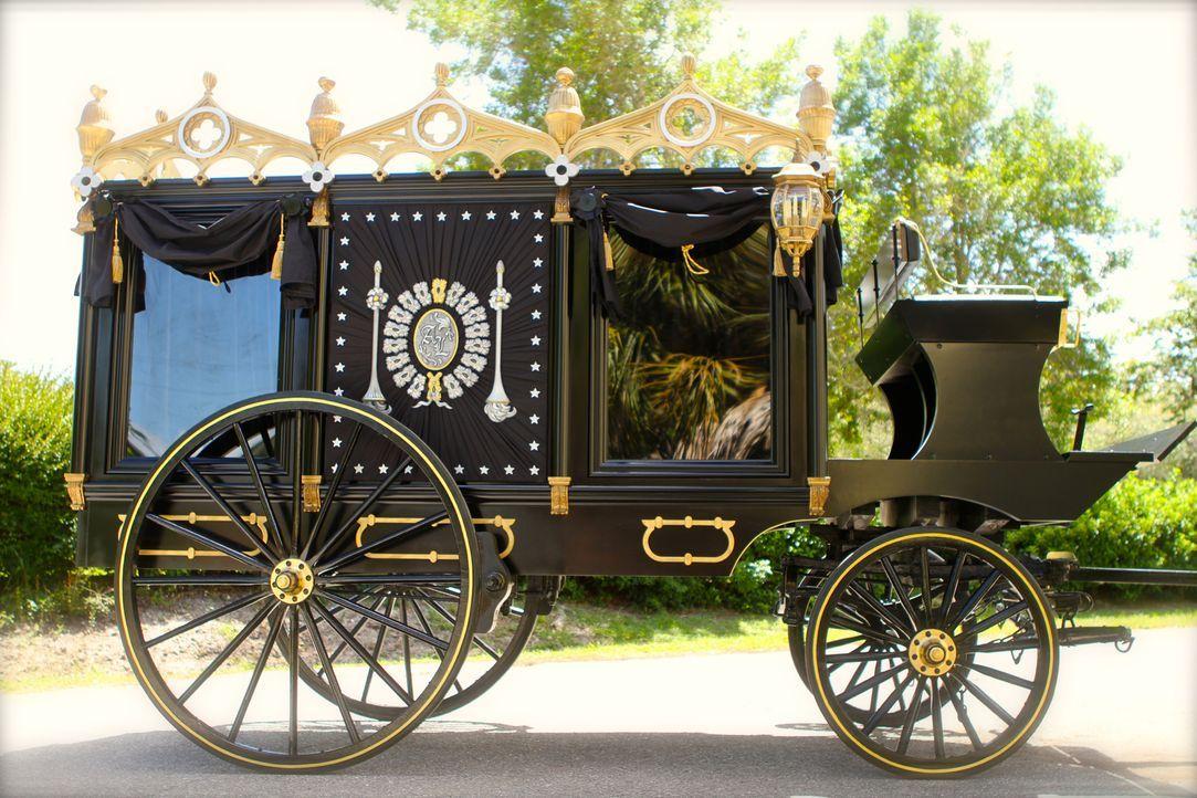 Lincolns letzte Reise: Das Team von Creative Arts kreierte eine identische Nachbildung des Wagens, mit dem der Sarg des verstorbenen US-Präsidenten... - Bildquelle: 2014 A&E TELEVISION NETWORKS, LLC. ALL RIGHTS RESERVED.