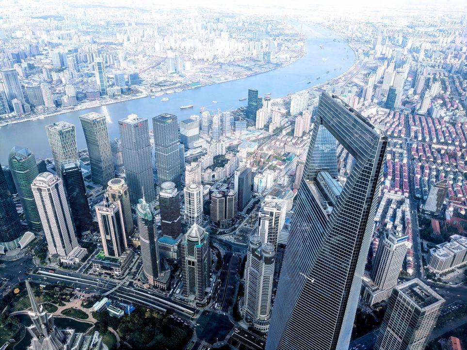 """""""Abenteuer Leben""""-Reporter und Globetrotter Kai Böcking macht in Shanghai den großen China-Check. Kann man in der 30 Millionen Metropole seinen Urla... - Bildquelle: kabel eins"""