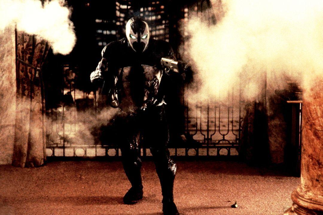 Als Spawn kehrt der verstorbene Geheimagent Al Simmons (Michael Jai White) auf die Erde zurück. Der Kämpfer Satans soll sich an dem bösen Geheimdien... - Bildquelle: New Line Cinema