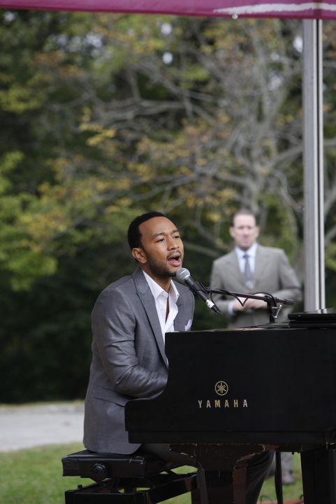 John Legend (John Legend) sorgt für gute Stimmung auf der Hochzeit von Divya und Raj ... - Bildquelle: 2010 Open 4 Business Productions, LLC. All Rights Reserved.