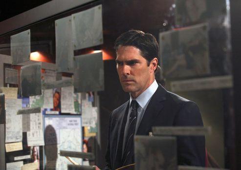 Criminal Minds - Ist etwas skeptisch gegenüber seiner neuen Kollegin: Hotch (...
