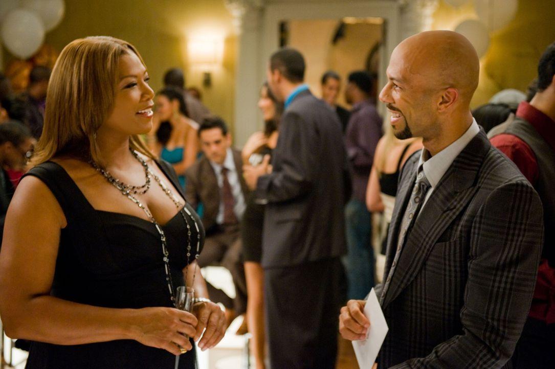 Es ist wie verhext: Physiotherapeutin Leslie Wright (Queen Latifah, l.) wird von den Männern immer nur als Kumpel betrachtet. Da lernt sie an der Ta... - Bildquelle: 2010 Twentieth Century Fox Film Corporation. All rights reserved.