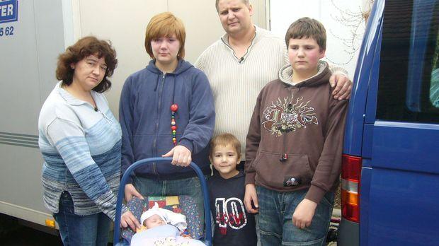 Familie Kuckuk will ein neues Leben in Schweden beginnen. © kabel eins