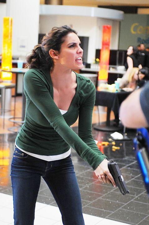 Können Callen, Sam und Kensi (Daniela Ruah) in letzter Sekunde noch eine Katastrophe verhindern? - Bildquelle: CBS Studios Inc. All Rights Reserved.