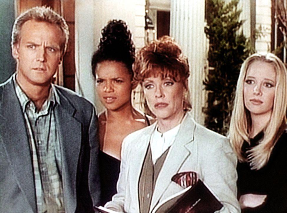 Amanda (Victoria Rowell, 2.v.l.) lernt Melody Thomas Scott (Melody Thomas Scott, r.) und Lauralee Bell (Lauralee Bell, 2.v.r.) kennen, die beiden Ha... - Bildquelle: Viacom