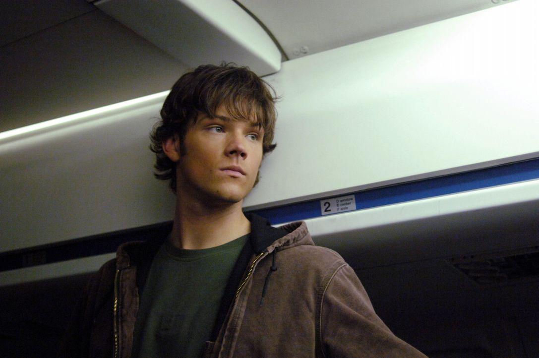 Um den Phantom Reisenden zu besiegen gehen Dean und Sam (Jared Padalecki) selbst an Bord eines Flugzeuges, da sie glauben, dass dies die einzige Cha... - Bildquelle: Warner Bros. Television