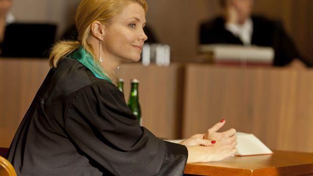 Ein neuer Fall wartet auf Danni (Annette Frier) ... © Frank Dicks SAT.1