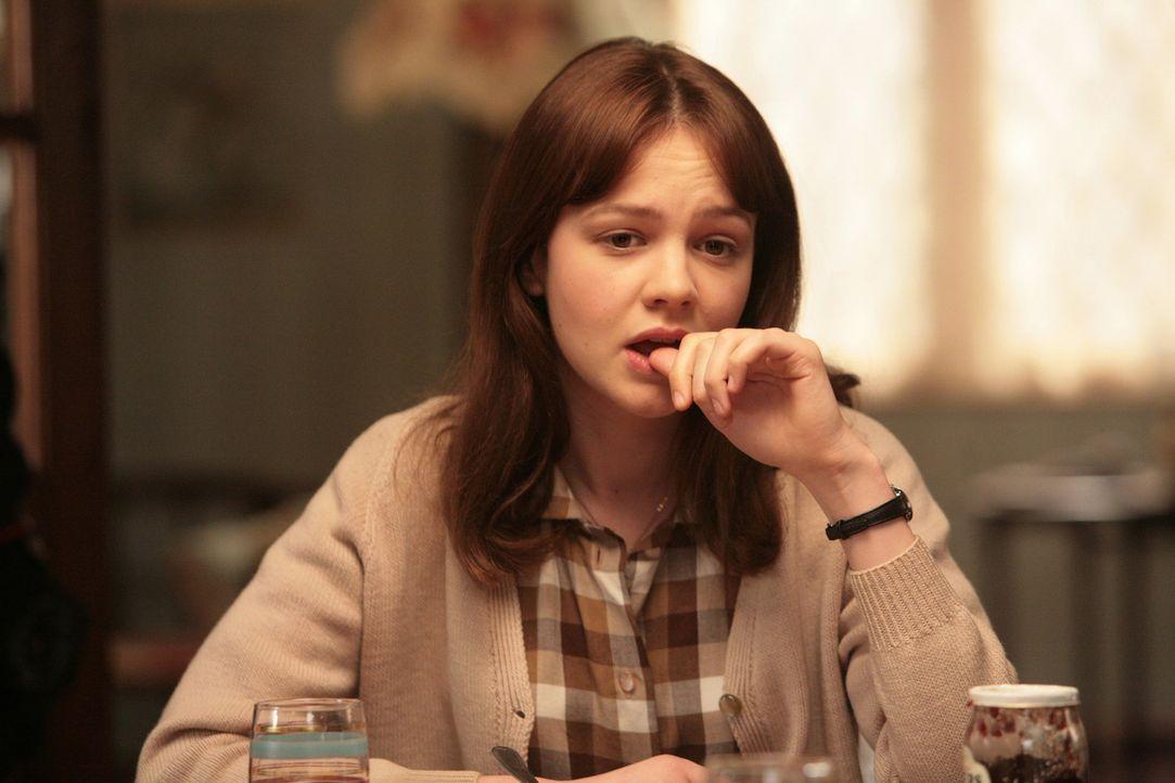 1961. Der größte Wunsch der fleißigen Schülerin Jenny (Carey Mulligan) ist es, nach der Schule einen Studienplatz in Oxford zu ergattern und später... - Bildquelle: 2009 An Education Distribution Limited. All Rights Reserved.