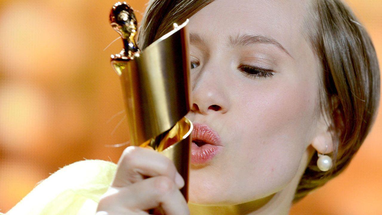 deutscher-filmpreis-12-04-27-alina-levshin-04-dpajpg 1600 x 900 - Bildquelle: dpa