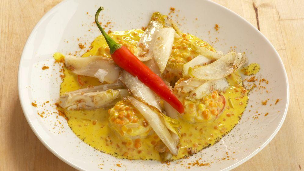 Garnelen-Curry mit Chicoree und roten Linsen