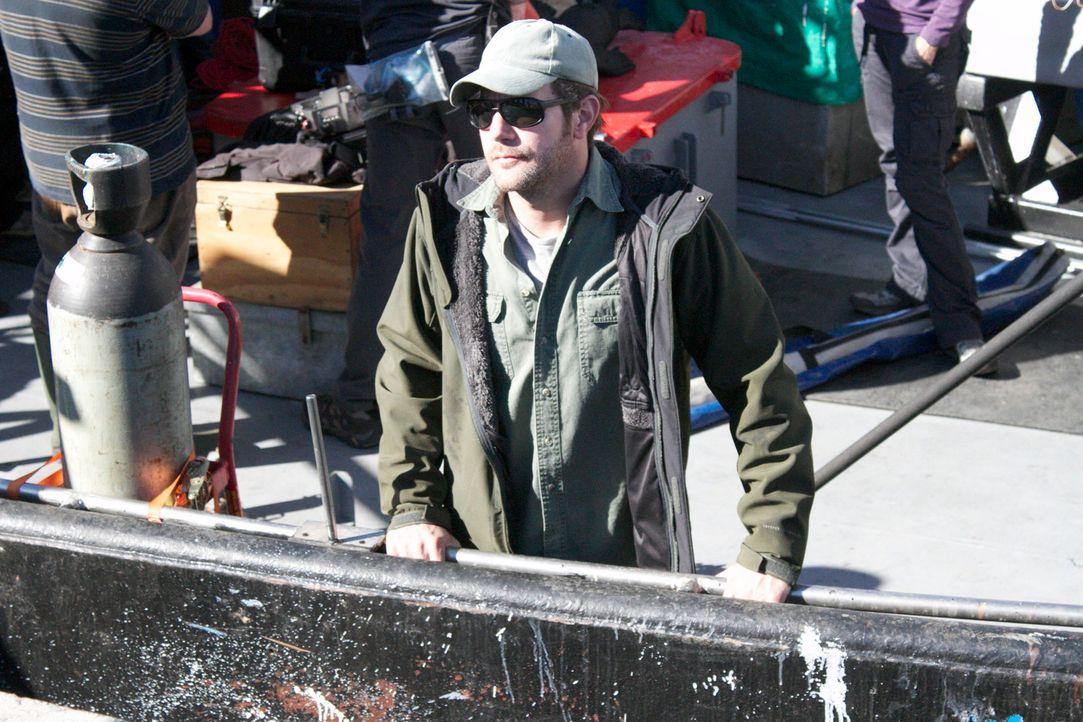 Versucht herauszufinden, warum im April 2013 vor der Küste Südafrikas ein schreckliches Unglück geschah: der renommierte Meeresbiologe Collin Drake... - Bildquelle: Brian Girard / Kris Olson Discovery Channel
