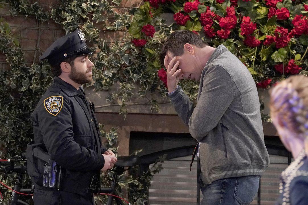 Als wäre es nicht schon schlimm genug, dass Drew (Ryan Pinkston, l.) mit ihm Schluss macht, sorgt ein gelüftetes Geheimnis schließlich dafür, dass J... - Bildquelle: Chris Haston 2017 NBCUniversal Media, LLC
