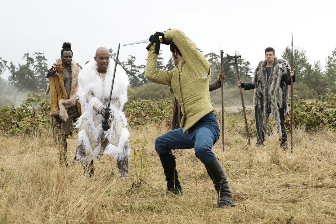 Fillorys einzige Chance im Krieg gegen Loria ist ein Kampf König gegen König. Wie wird ein Schwertkampf zwischen König Idri von Loria (Leonard Rober... - Bildquelle: Eike Schroter 2016 Syfy Media, LLC