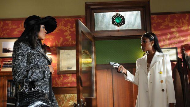 Lila (Gina Torres, l.) ist die Mutter von Emersons Tochter Penny. Sie sucht i...