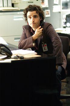 Numb3rs - Charlie (David Krumholtz) ist seinem Bruder bei einem neuen Fall be...