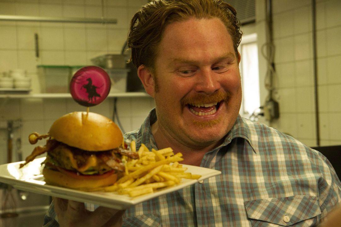 Macht in Sleepy Hollow Bekanntschaft mit dem gigantischen Headless Horseman Burger: Casey Webb ... - Bildquelle: 2017,The Travel Channel, L.L.C. All Rights Reserved.