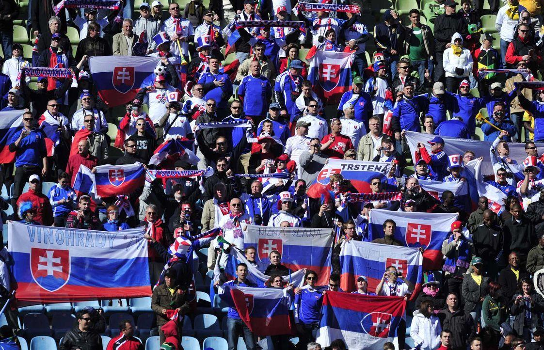 Fußball-Fan-Slowakei-100615-AFP - Bildquelle: AFP