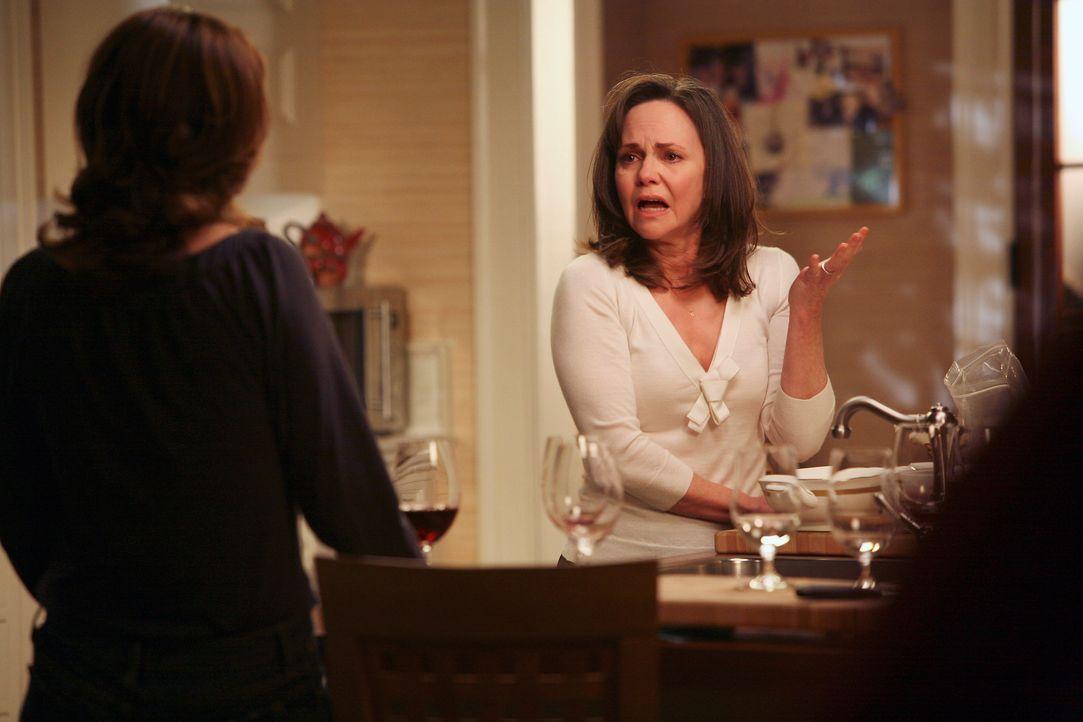 Bricht in Tränen aus und erklärt Sarah (Rachel Griffiths, l.), dass sie auf ihren Mann William sauer ist, aber ihre Wut nicht rauslassen kann, wei... - Bildquelle: Disney - ABC International Television