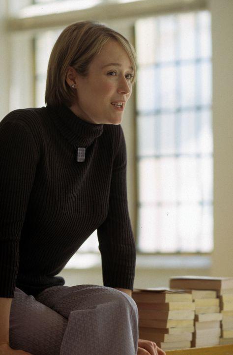 Die Lehrerin Betsy Chase (Jennifer Ehle) glaubt nicht, dass ihr Schüler Selbstmord begangen hat ... - Bildquelle: Myriad Pictures Inc.