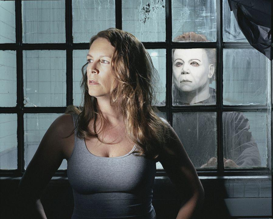 Die Patientin Laurie Strode (Jamie Lee Curtis, l.) des Grace Anderson Sanatoriums ist die Schwester des Geisteskranken Michael Myers (Brad Loree, r.... - Bildquelle: Dimension Films